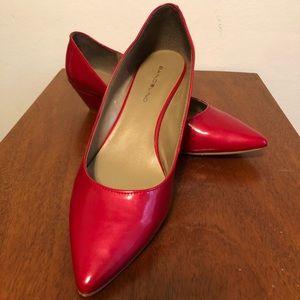 Red wedges pointy toe leather bandolino 8.5